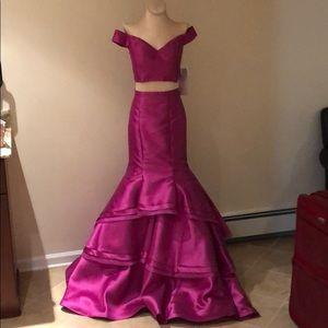 Prom dress/sweet 16 evening gown NWT jovani size 2